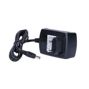 Universal 12V / 1A power supply with 5.5 / 2.1mm low voltage connector