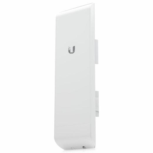 Ubqiuiti NanoStation M5 / NSM5 with integrated 16dBi panel antenna