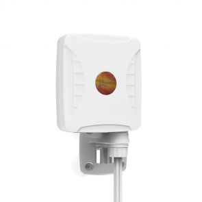Poynting XPOL-1-5G multiband omnidirectional antenna for 4G and 5G data connections